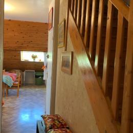 2ème chambre accès avec un lit double style chalet et accessible par un vrai escalier  - Location de vacances - Mont-Dore
