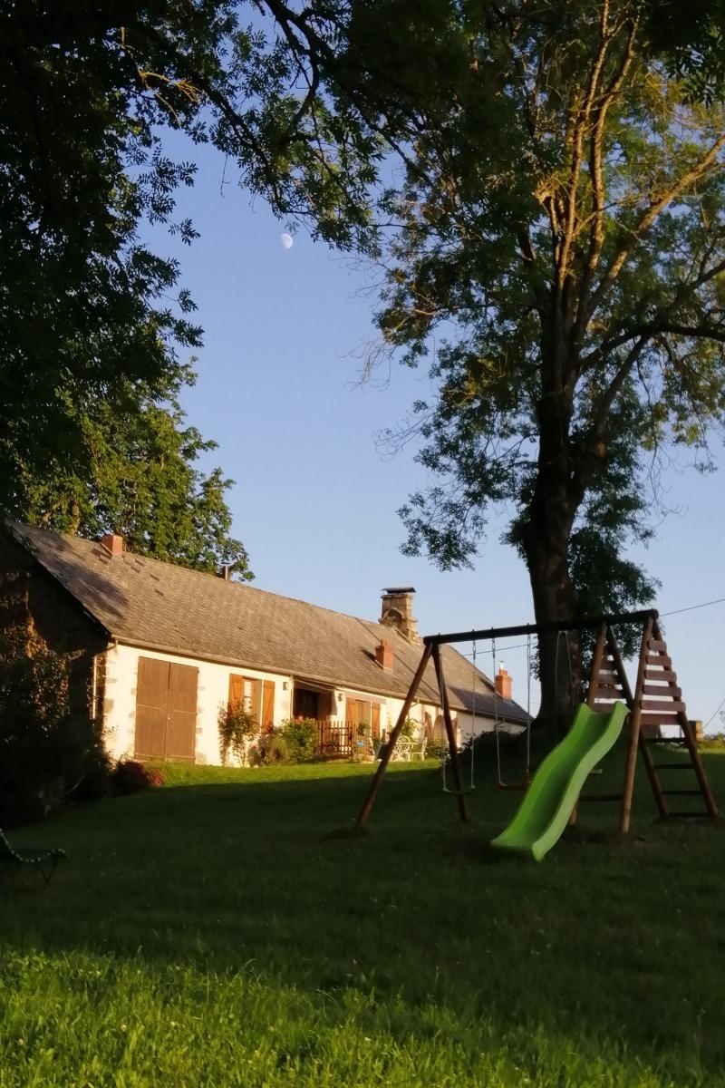 Fin de journée au Logis de l'Abeille Noire - Location de vacances - Condat-en-Combraille
