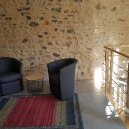1ère partie du salon - Location de vacances - Saint-Gervazy