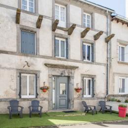 MAISON PIERRE DE 1851 - Location de vacances - Égliseneuve-d'Entraigues
