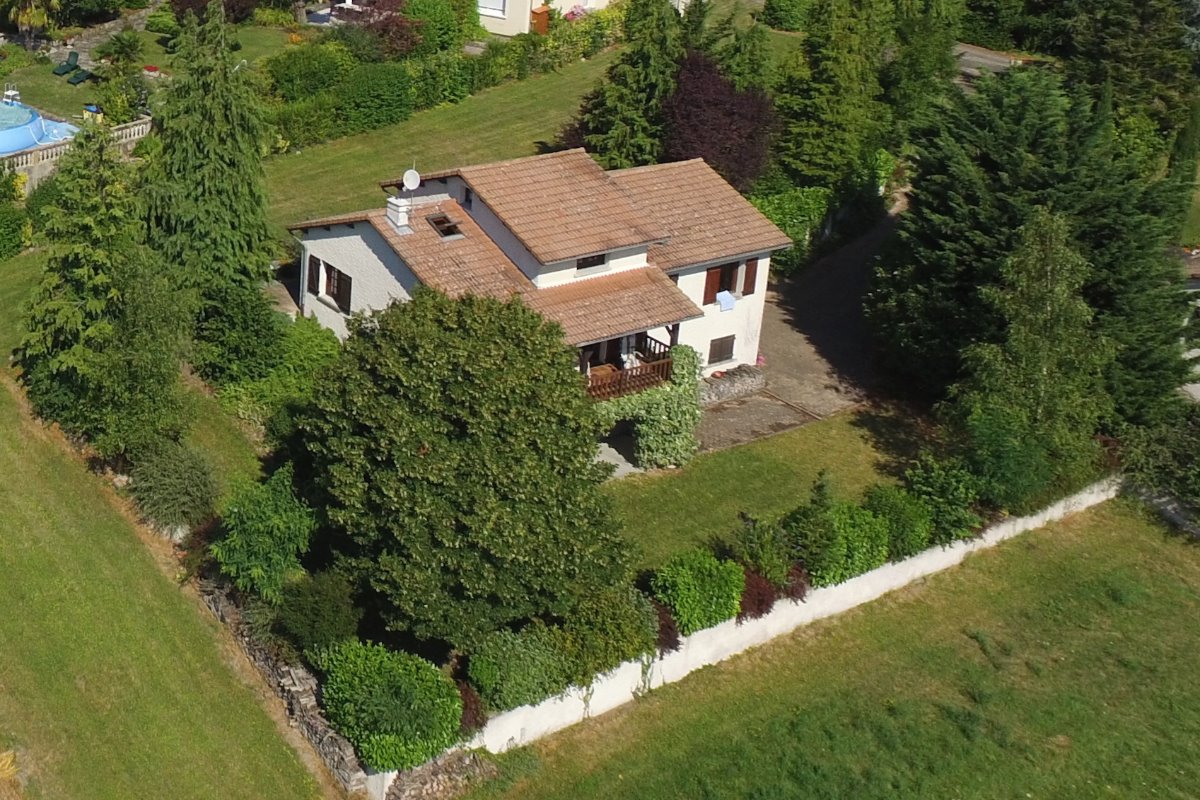 Vue d'un drone - Location de vacances - Luzillat