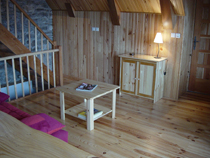 Aperçu d'une partie de la pièce principale - Location de vacances - Saulzet-le-Froid