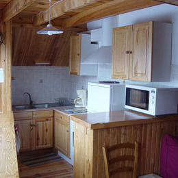 La cuisine - Location de vacances - Saulzet-le-Froid