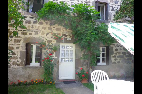 Gîte situé dans le Parc Naturel Régional des Volcans d'Auvergne - Location de vacances - Saint-Nectaire
