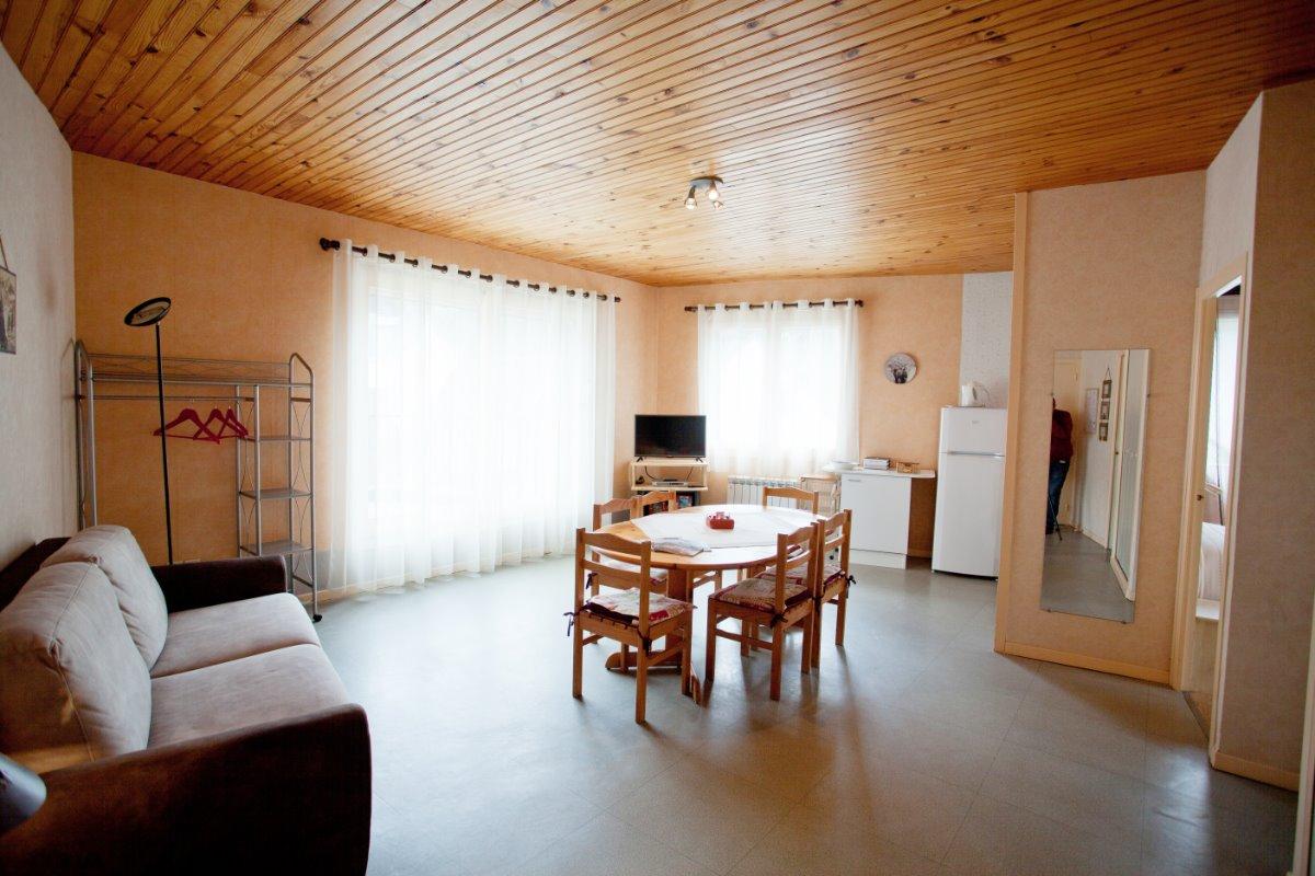Appartement situé en résidence au Mont Dore station thermale et ski (Auvergne) - Location de vacances - Mont-Dore