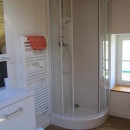 salle de bain - Location de vacances - Murol