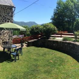 vue panoramique - Gîte à 3km de La Bourboule vue privilégiée sur la vallée de la Dordogne - Location de vacances - Saint-Sauves-d'Auvergne