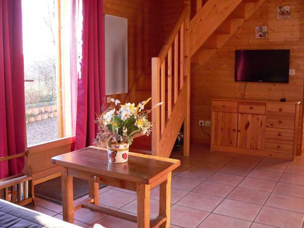 Coin TV - Chalet capacité 6 personnes à St Floret village de caractère en Auvergne - Location de vacances - Saint-Floret