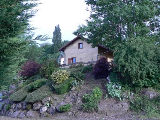 Chalet avec vue paradisiaque sur le Massif du Sancy - Location de vacances - Saint-Floret