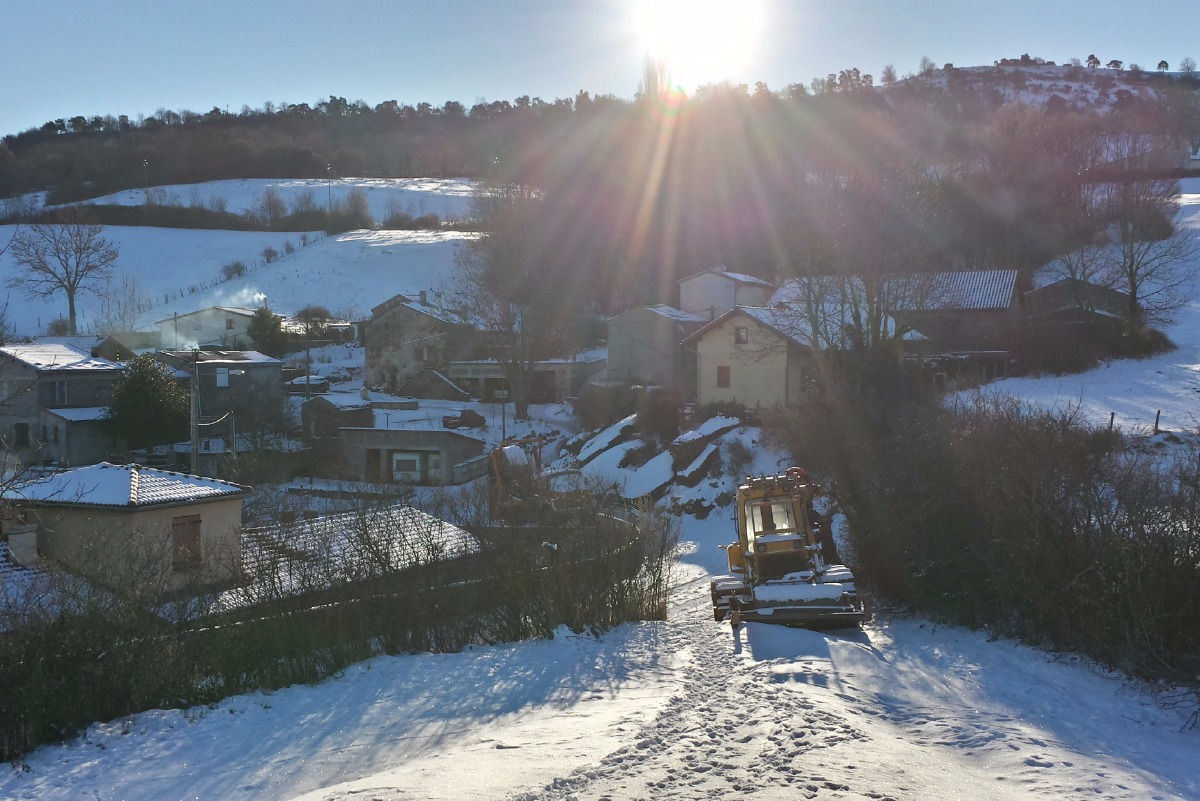 Chemin randonnée au pied du chalet - Location de vacances - Saint-Floret