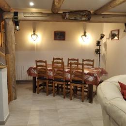 Coin repas - Location de vacances - Chambon-sur-Lac