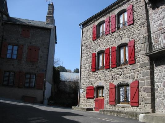 - Location de vacances - Besse-et-Saint-Anastaise