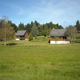 Chalet de 60m² environnement calme, prairie, ruisseau et au coeur du Parc Natureldes Volcans d'Auvergne  - Location de vacances - Saint-Genès-Champespe