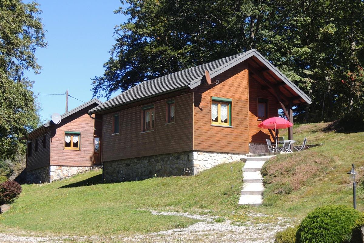 Chalet Chêne - Chalet idéal famille au coeur du Parc Naturel des Volcans d'Auvergne et proche Massif Sancy - Location de vacances - Saint-Genès-Champespe