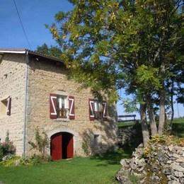 FENETRES DE LA SALLE A MANGER ET DE LA CHAMBRE - Location de vacances - Saint-Germain-l'Herm