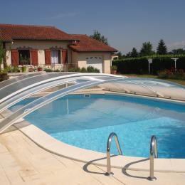 ensemble gite et piscine - Location de vacances - Courpière