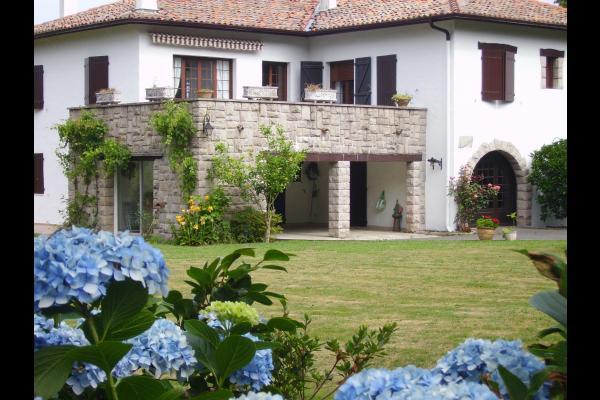 Spa Sur Terrasse Appartement appartement dans maison à urrugne, avec spa,au mois d'aout grand
