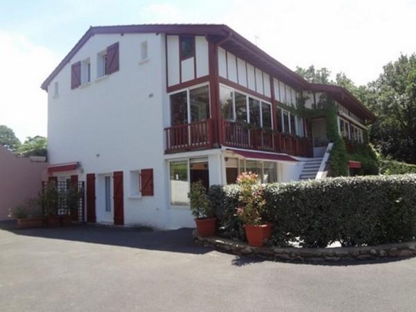 Location appartement dans maison à Ascain Pays Basque (vue extérieure) - Location de vacances - Ascain