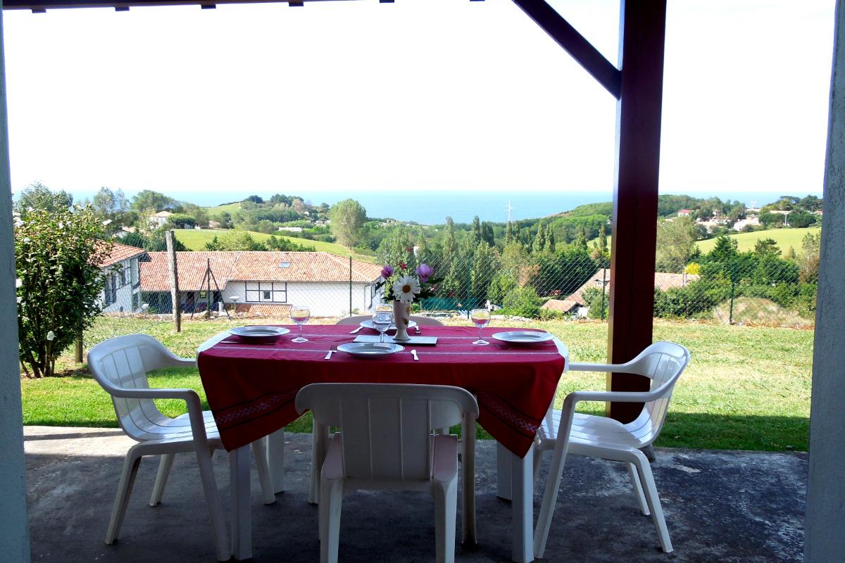 Terrasse couverte vue sur mer - Location de vacances - Saint-Jean-de-Luz