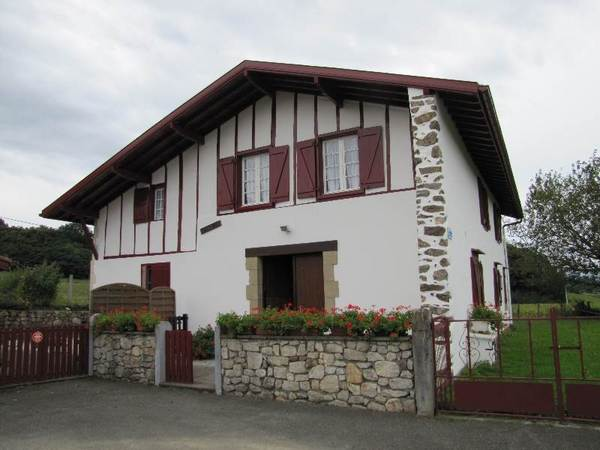 Location d'une maison basque - Location de vacances - Mendionde