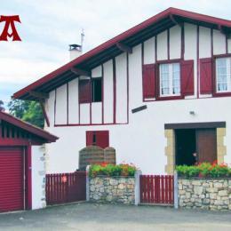 Location d'une maison typique Pays Basque - Location de vacances - Mendionde