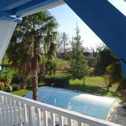 Vue sur le parc depuis le balcon de ARAGON - Chambre d'hôtes - Saint-Faust