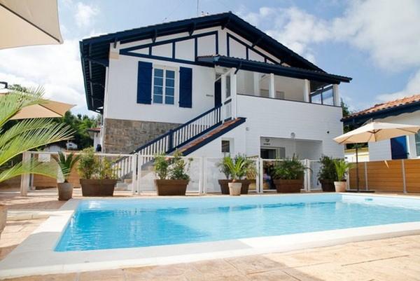 Appartement Dans LEnceinte DUne Villa Avec Piscine Chauffe