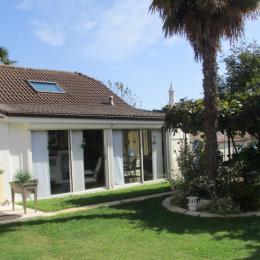 Façade coté jardin  - Location de vacances - Baudreix