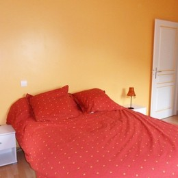 Chambre avec literie de qualité - Location de vacances - Lantabat