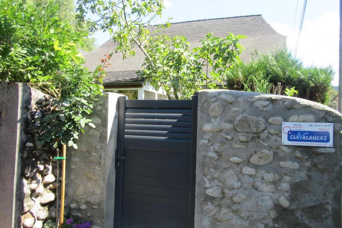 Entrée du gîte - Location de vacances - Montaut