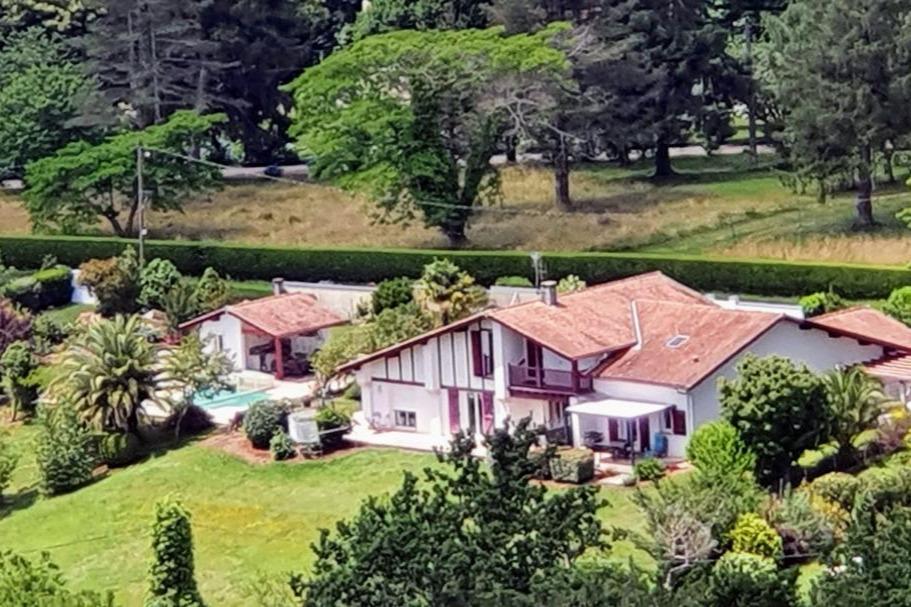 Photo Aérienne de la propriété Mendi-Bixta - Location de vacances - Cambo-les-Bains