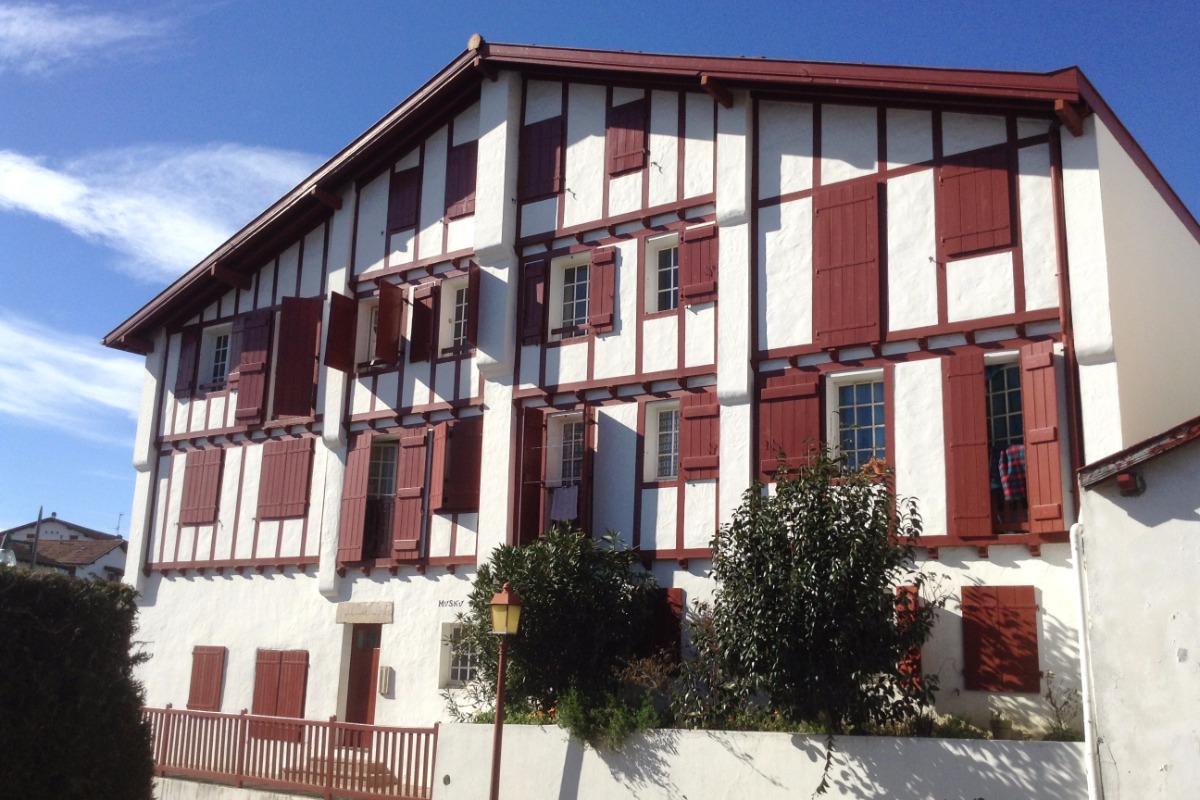façade de la résidence - Location de vacances - Ciboure