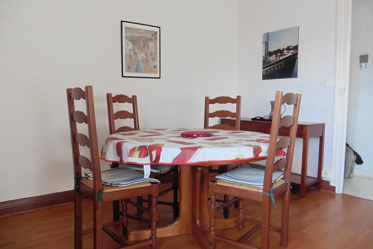 appartement pour 3 personnes saint jean de luz c te. Black Bedroom Furniture Sets. Home Design Ideas