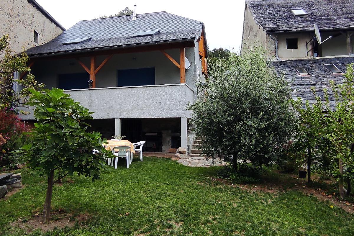 Gîte Les Fauvettes_jardin clôturé - Location de vacances - Osse-en-Aspe