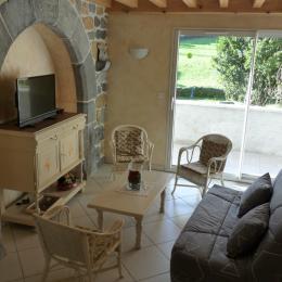 Gîte Les Fauvettes_coin salon - Location de vacances - Osse-en-Aspe