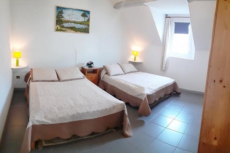 Chambre 2 lits doubles - Location de vacances - Aspin-en-Lavedan