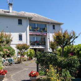 Résidence Belle Vue, cour intérieure. - Location de vacances - Agos-Vidalos