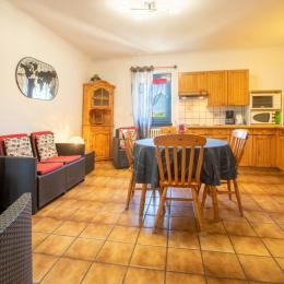 Chambre lit en 140. - Location de vacances - Agos-Vidalos