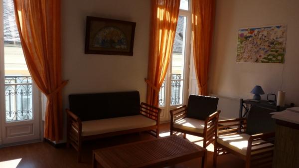Salon, vue opposée - Location de vacances - Cauterets