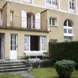 appartement à droite en RDC + 1 - Location de vacances - Cauterets