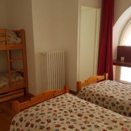 chambre 1er étage - Location de vacances - Cauterets