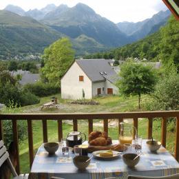 Petit déjeuner sur le balcon - Location de vacances - Génos