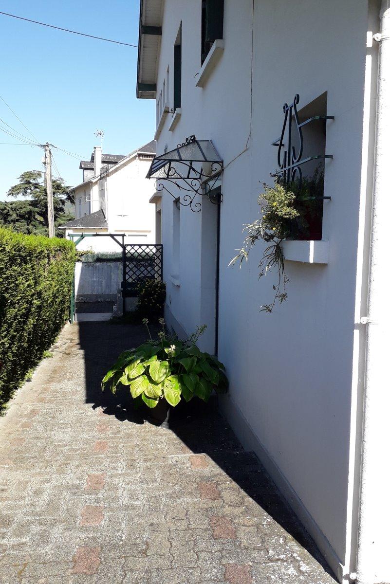 Appartement rdc avec jardin privatif argeles gazost - Thermes argeles gazost jardin bains ...