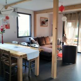 Salon salle à manger sur terrasse plein sud - Location de vacances - Luz-Saint-Sauveur