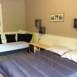 Chambre lit 140 et 90 - Location de vacances - Camous