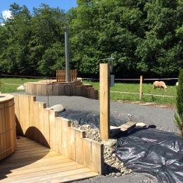Bain norvégien chauffé au bois - Location de vacances - Camous