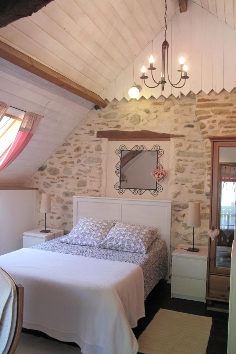 Lys des Pyrénées - A l'étage - Chambre - Location de vacances - Bagnères-de-Bigorre