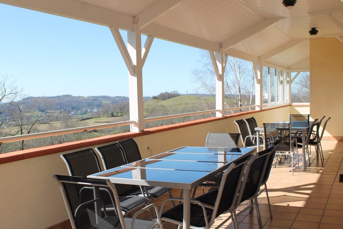 Terrasse couverte, vue montagne. - Location de vacances - Bartrès