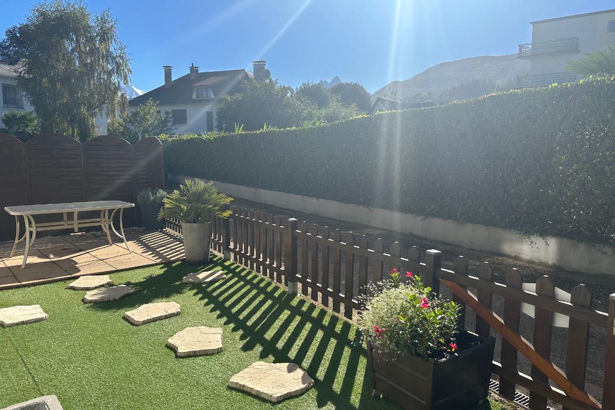 Cuisine et coin bar - Location de vacances - Argelès-Gazost