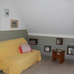 La pièce à vivre l'entrée des chambres et de la salle de bains - Location de vacances - Gèdre